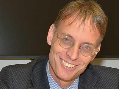 Dr. Rolf Majcen